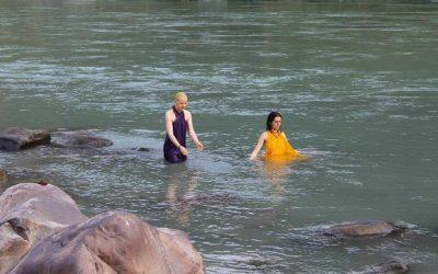 El baño sagrado en el río Ganges