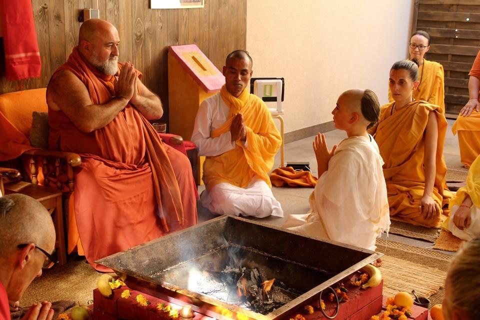 La iniciación: shravaka diksha