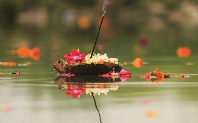 HONRAR A LOS DIFUNTOS: PITRI PAKSHA